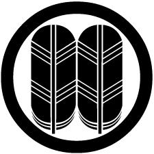 丸に並び鷹の羽紋