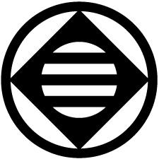 丸に鉄砲角に三つ引き紋