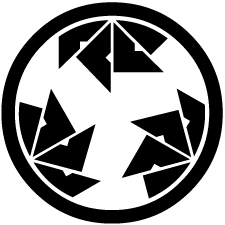 中輪に三つ割り四つ目車紋