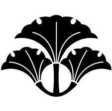 変わり三つ銀杏に花菱紋